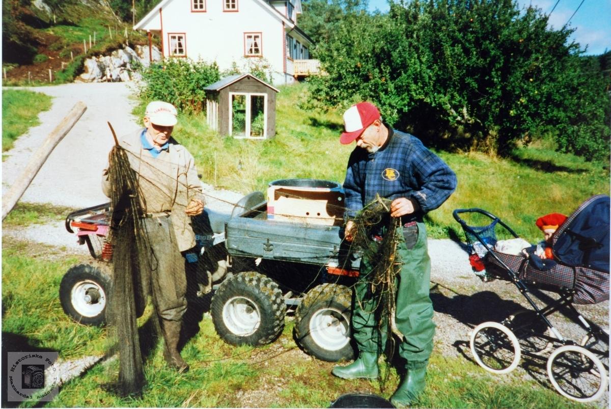 Fiskegarnet må ordnes på Smedsland, Audnedal.