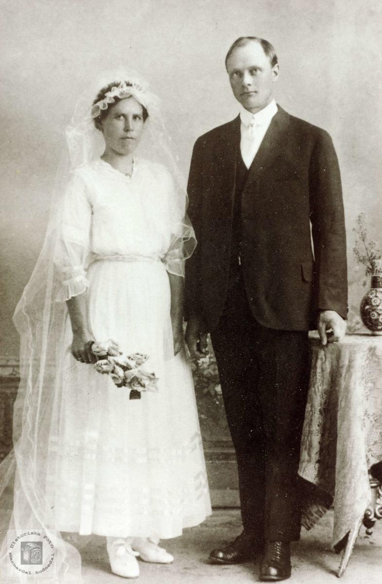 Brudeparet Olga og Halvor Håland. Grindheim Audnedal.
