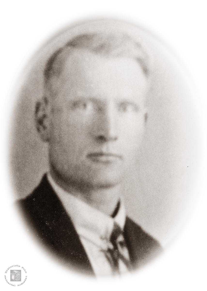Portrett av Bendik Valand. Konsmo. Bendik Valand var far til Leif Valand og Bergliot Valand.