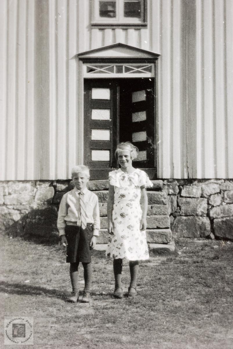 Bror og søster Torkel og Anna Refsnes. Grindheim.