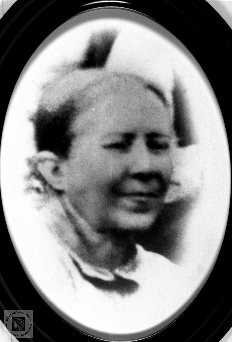 Portrett Åse Tomine Abelseth i Bjelland.