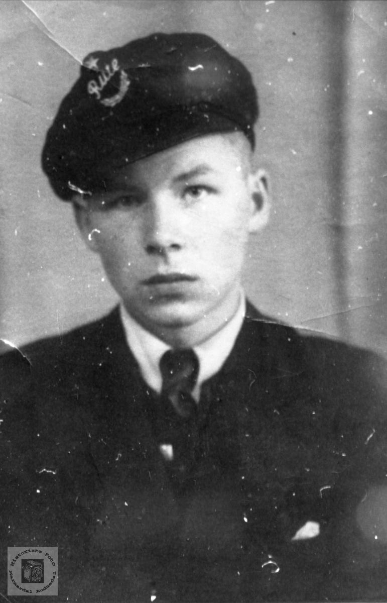 Passfotoav  Jan Tjelland, Bjelland.