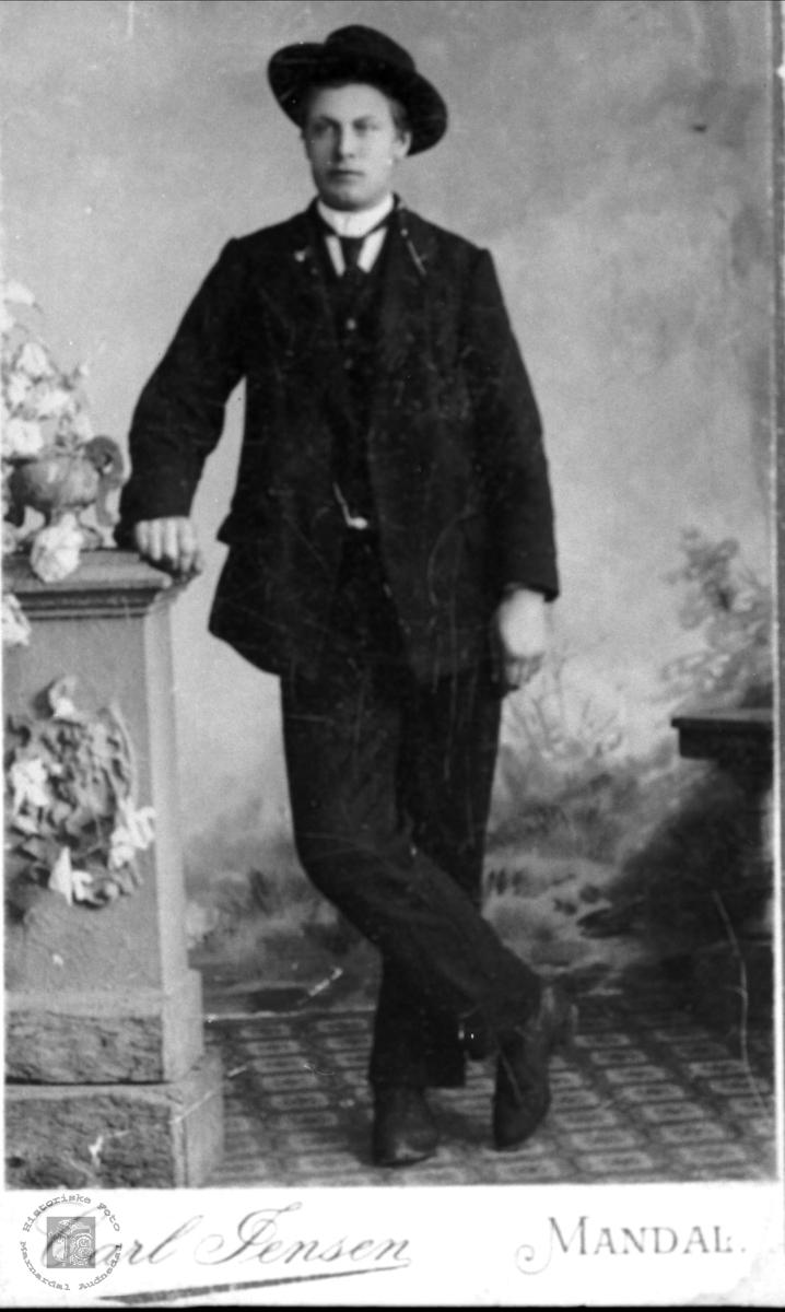 Portrett av Jørgen  G.Laudal, USA.
