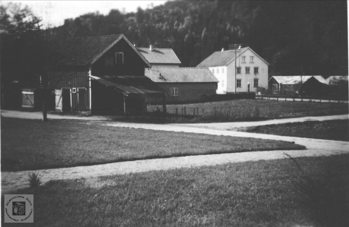 Øyslebø sett fra kommunelokalet.