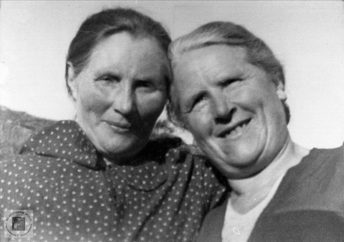 Søstrene Marta og Tonette Ovedal.