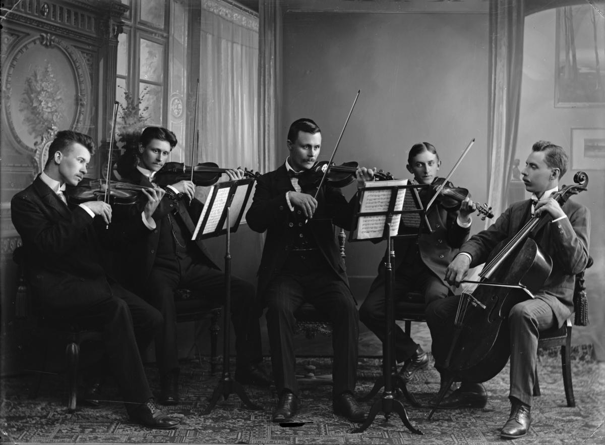 Stråkkvintett (ateljebild)