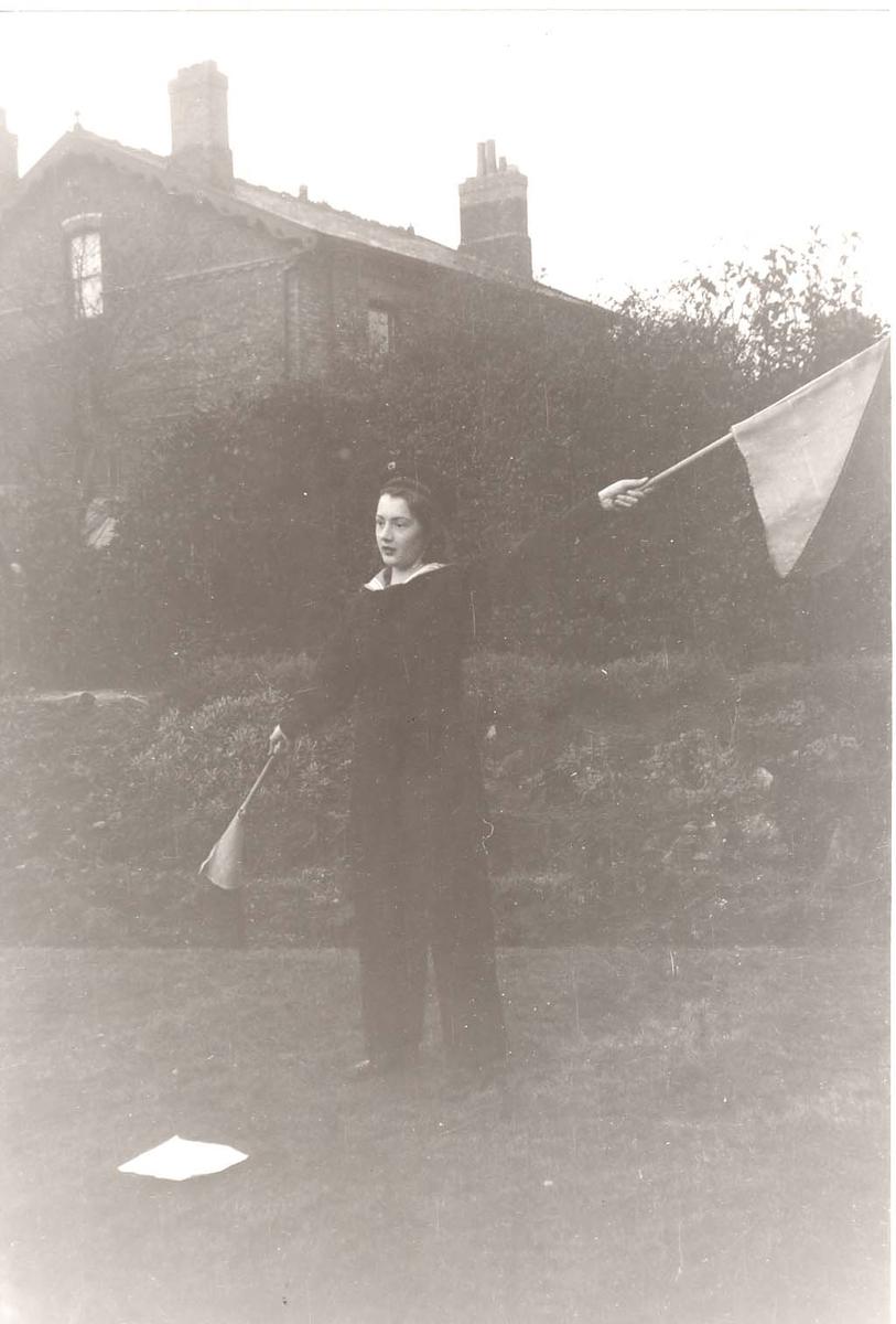 Motiv: Marinens Kvinnekorps 1942/1945 Signaløvelser, Liverpool