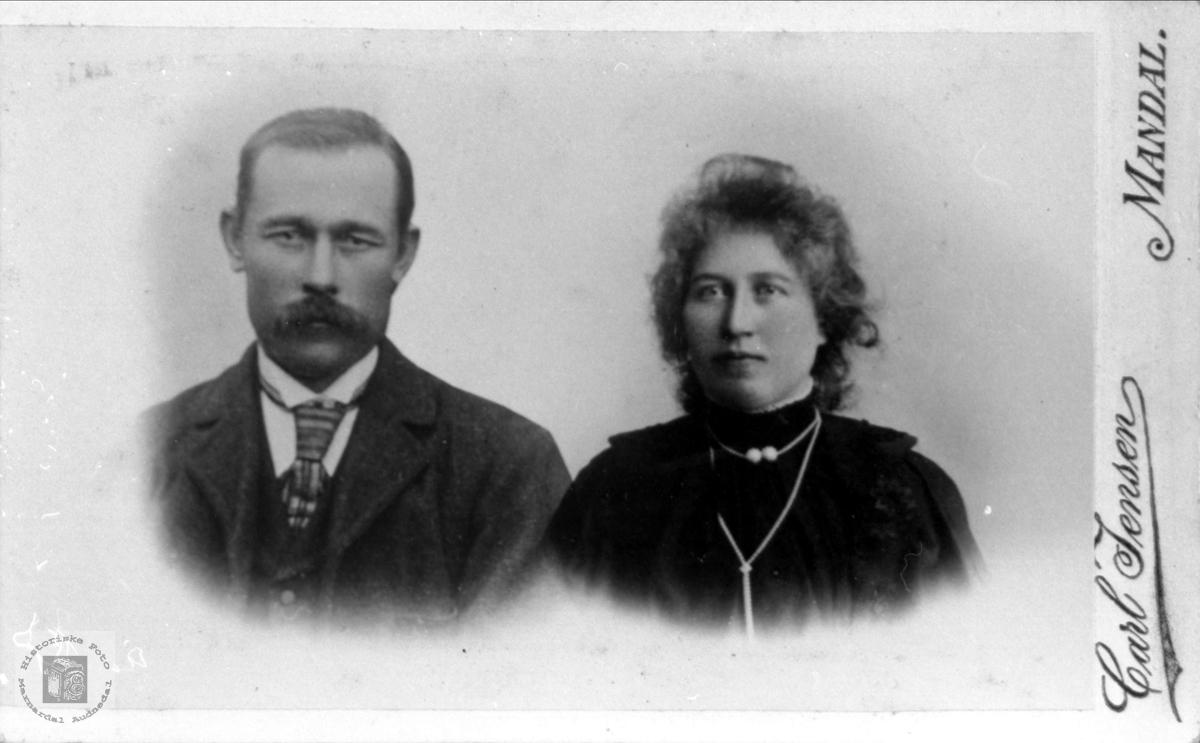 Ekteparet Jens og Sørine Hjemlestad