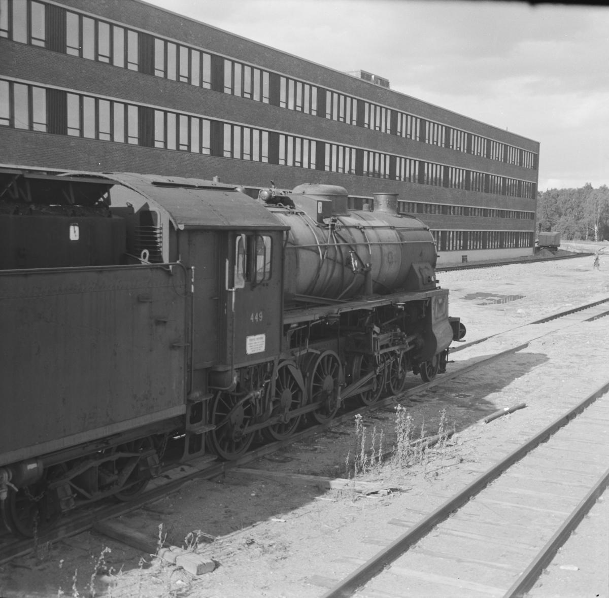 Utrangert damplok type 31b nr. 449 på Grorud verksted. Lokomotivet ble utrangert i mai samme år.