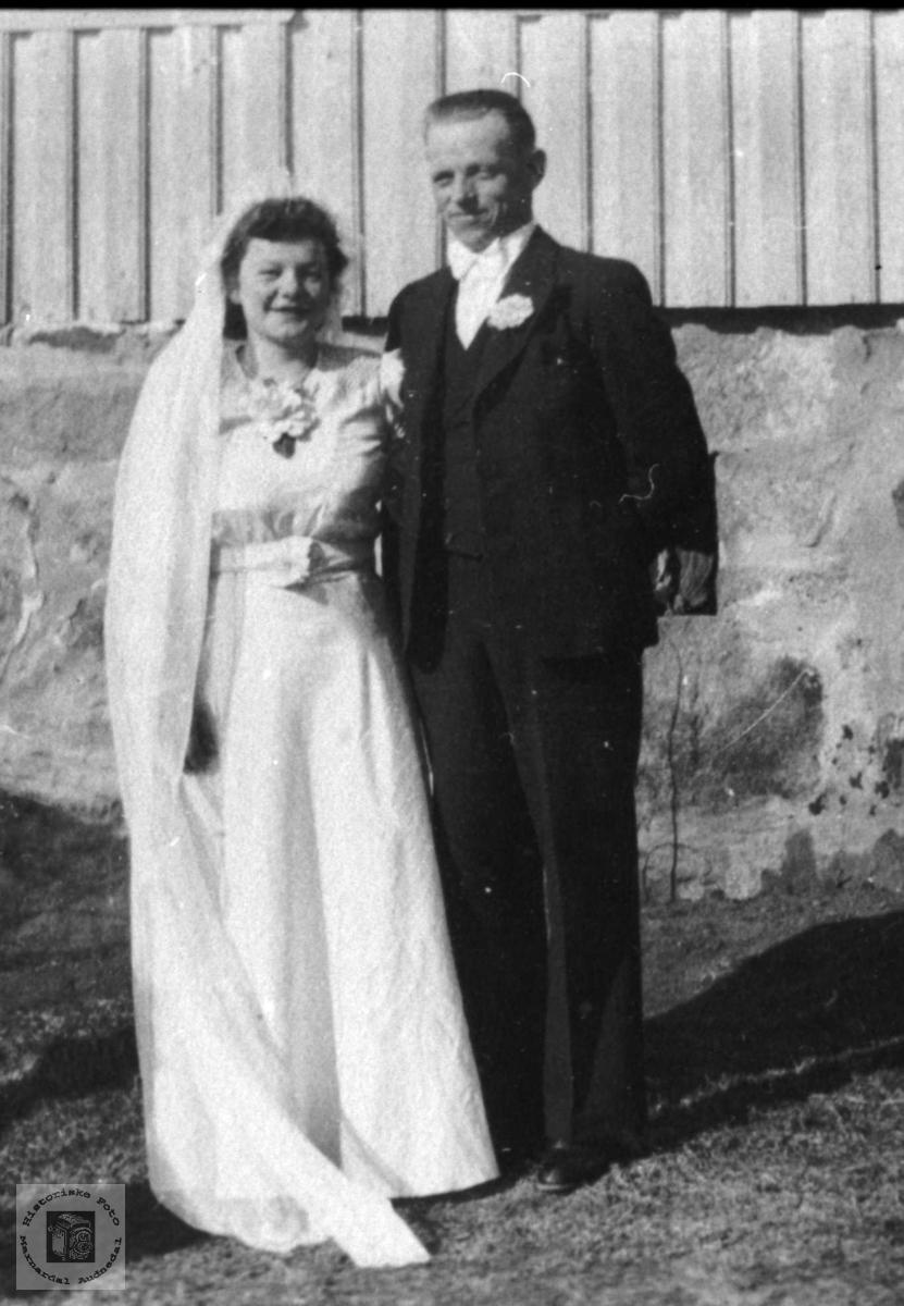 Brudepar. Tordis og Reier Skuland.