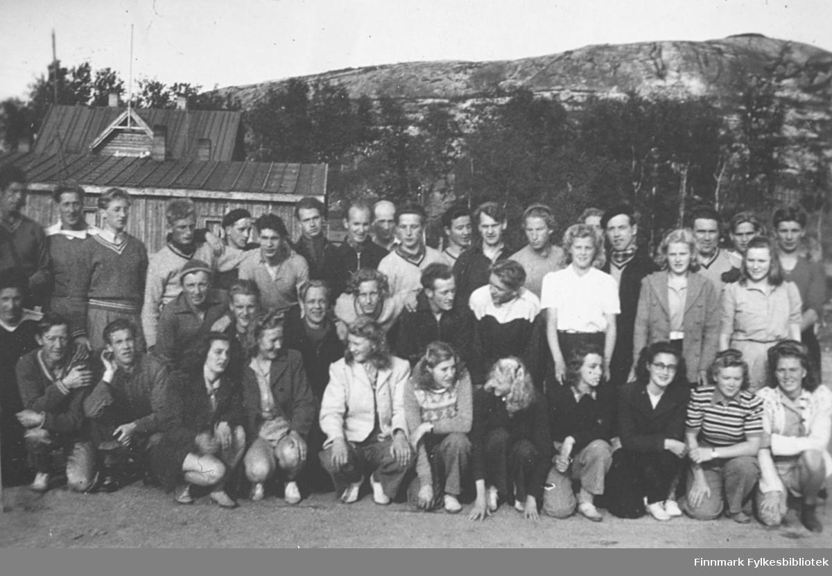 Friidrettsstevne i Kirkenes tidlig på 1950-tallet, og Vadsø turnforening deltok med en stor gruppe