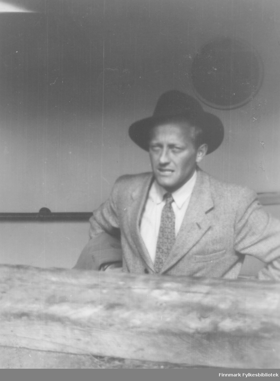 Fritz Ebeltoft ombord på hurtigruta, ca. 1949-1950