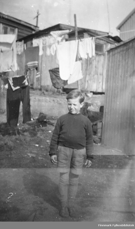 Hilmar Sivert Rognlid fotografert i Kirkenes, ca. 1950-1951