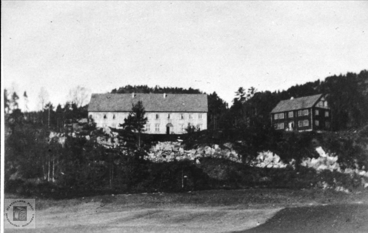 Høgtun før hovedbygning blei malt