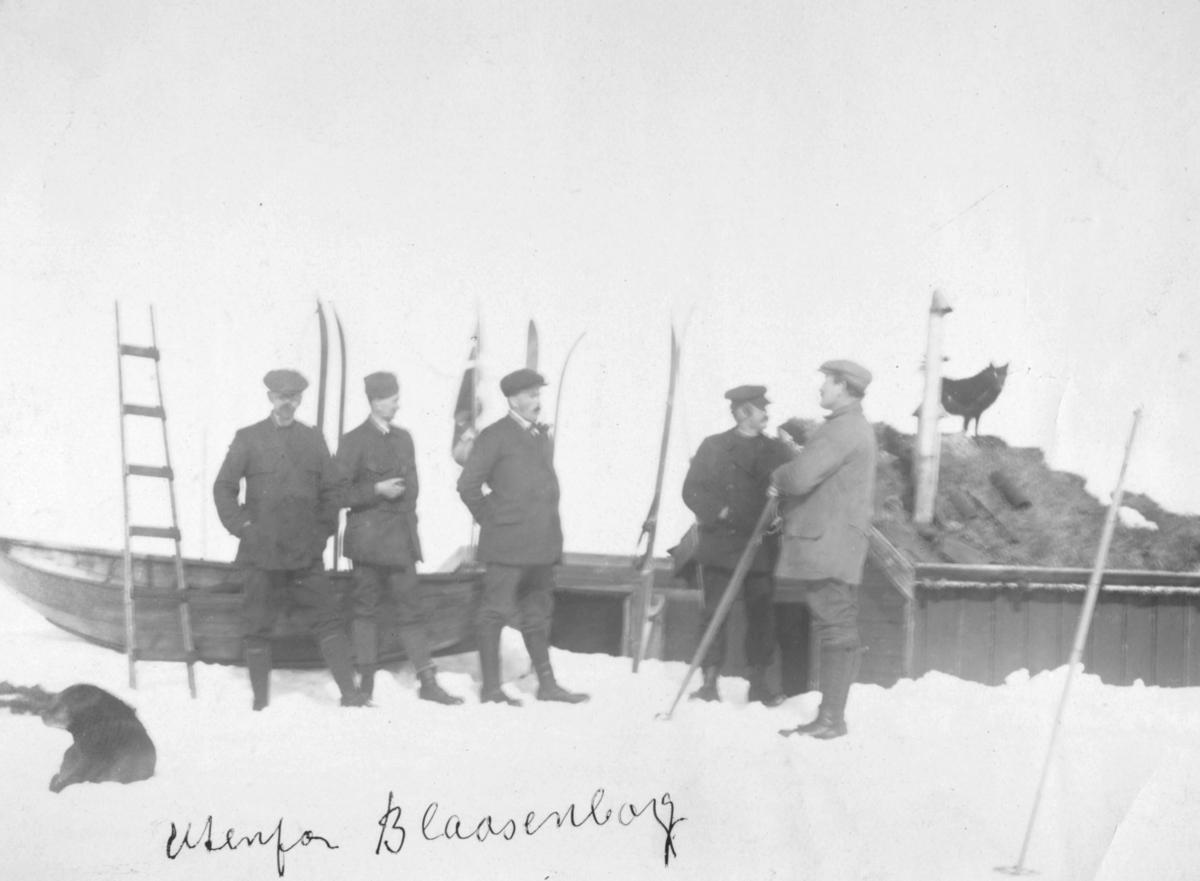 Utenfor Blåsenborg