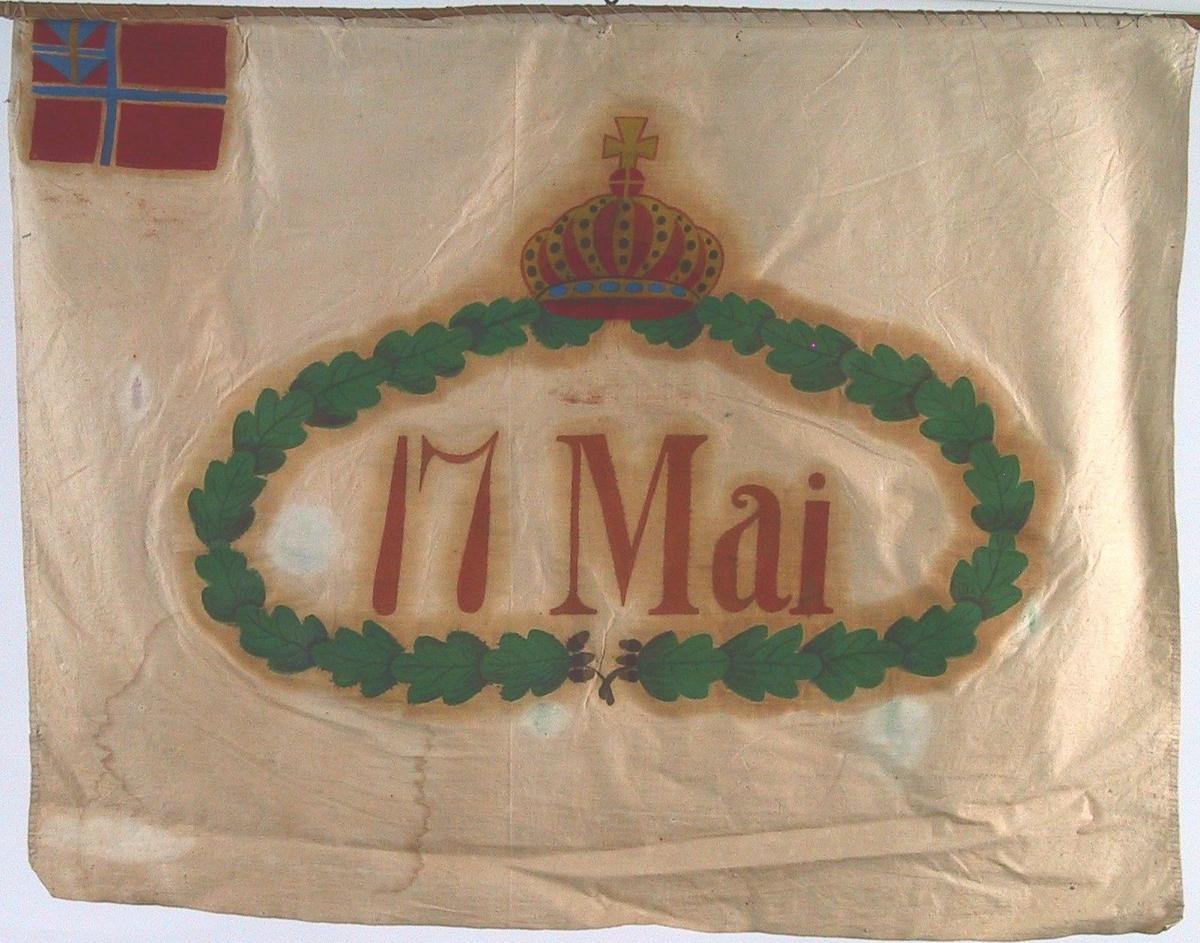 Grønn oval eikekrans med krone