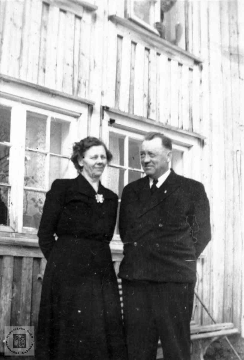 Mor og far på Moland.