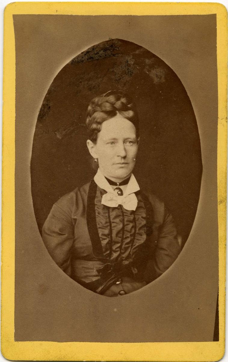 Ukjent kvinne, trolig fotografert i Tromsø.