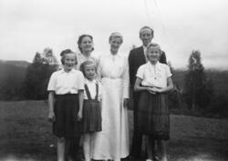 Familiegruppe, Løvås, bodde i Sørlia og Stange prestegårdssk