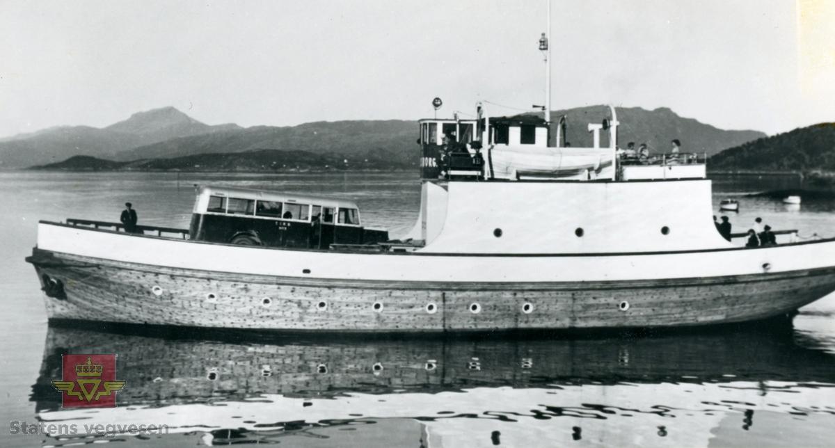 Bilde av M/F-Oscarsborg av Narvik i 1955.