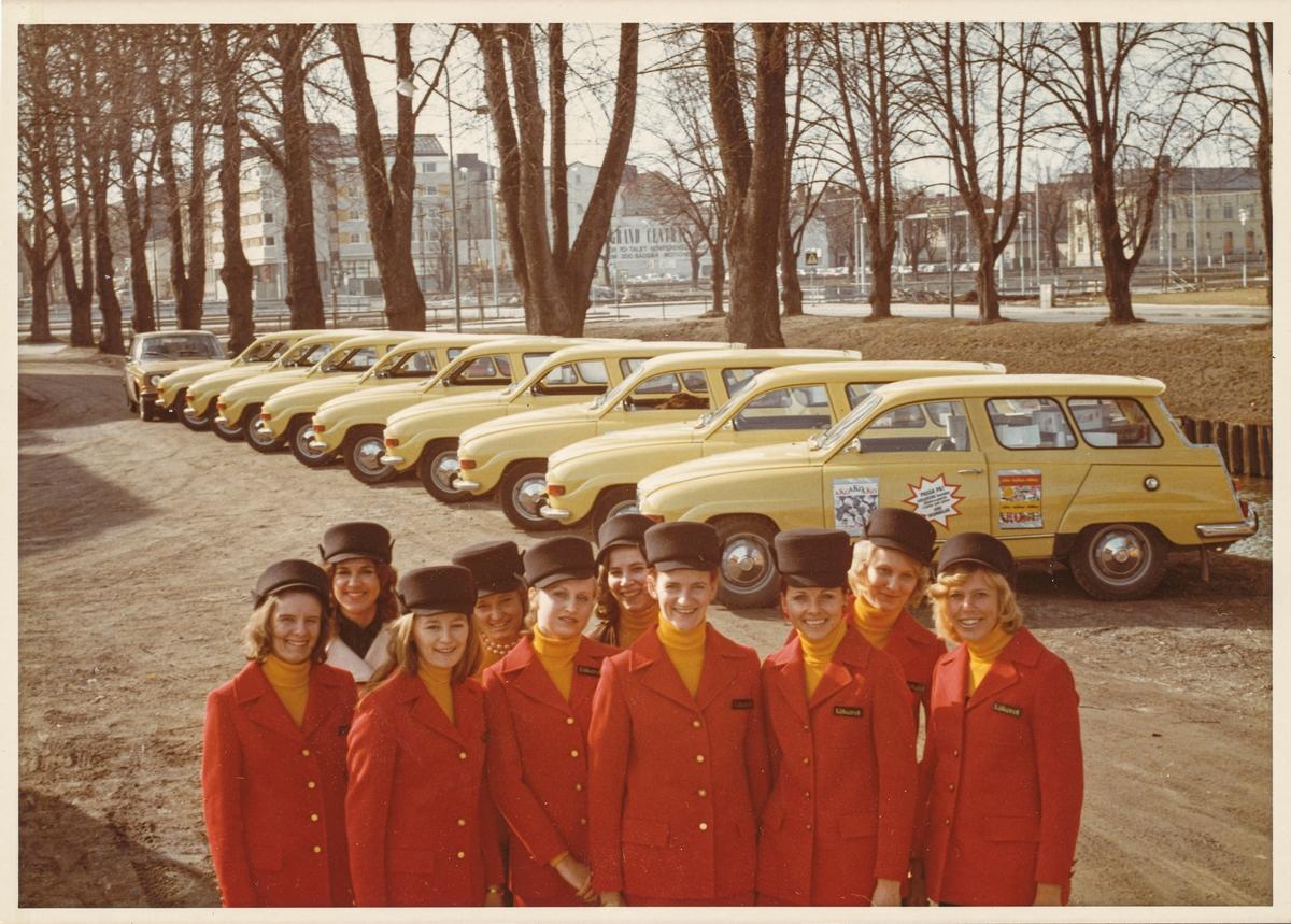 Bilpatrull med reklam för Läkerol, omkring 1975.