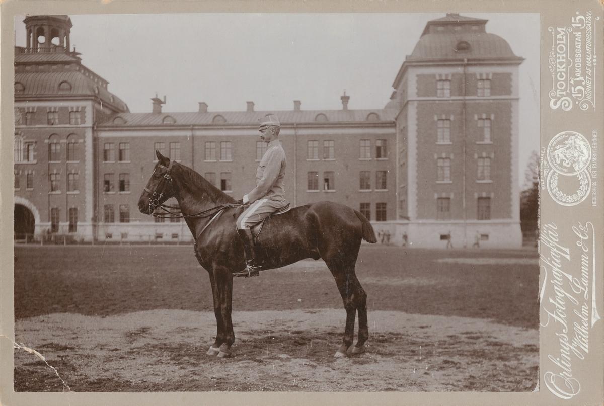 Porträtt av Gustaf Adolf Boltenstern, ryttmästare vid Livgardet till häst K 1.