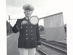 Bilder från stationsmästare Lindahls avgång. Bild G28511: fr