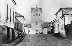 Sandgärdsgatan vid korsningen mot Kungsgatan, med blick öste