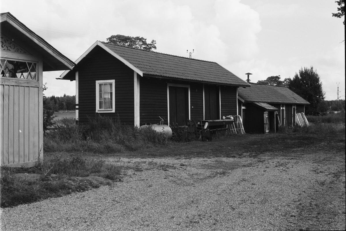 Hemlighus, godsmagasin och uthus, Ålands-Västerby 1:8, Ålandsdals station, Åland socken, Uppland 1984