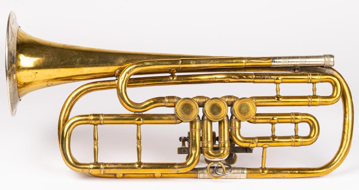 Ess-trumpet, av mässing.