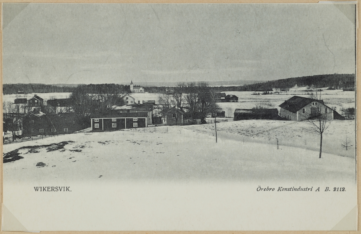 Vikersviks station. Tåg på väg till Dalkarlsberg.