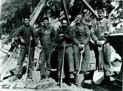 Arbeidarar ved Svenkerud bru.