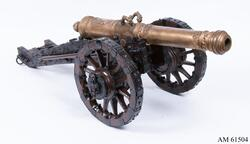 Modell av 24-pundig kanon