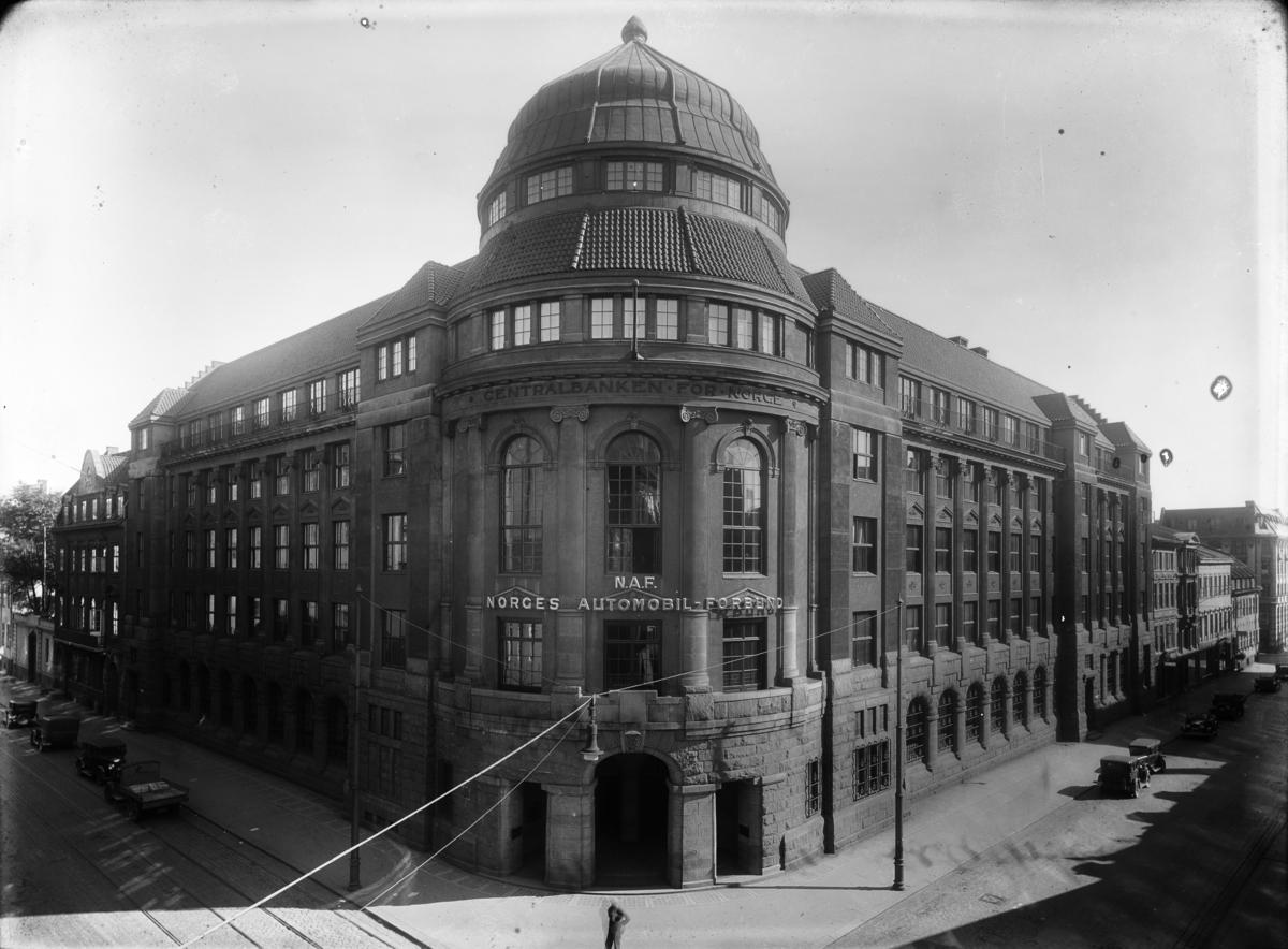 Centralbanken for Norge, tidligere bank opprettet 1900 i Kristiania for å tjene som fellesbank for forretningsbanker utenfor hovedstaden.