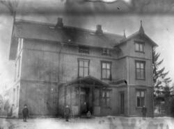 Villa Vesterås, Kongsveien 80.