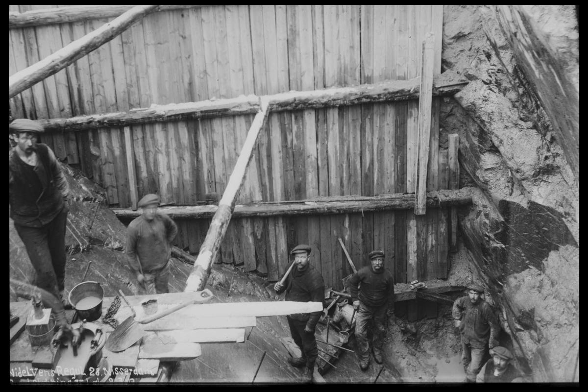 Arendal Fossekompani i begynnelsen av 1900-tallet CD merket 0446, Bilde: 52 Bygging av dam