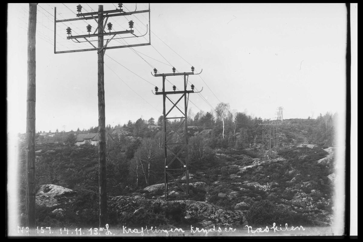 Arendal Fossekompani i begynnelsen av 1900-tallet CD merket 0565, Bilde: 95 Sted: Bøylefoss høyspentlinjer Beskrivelse: Linja over neskilen