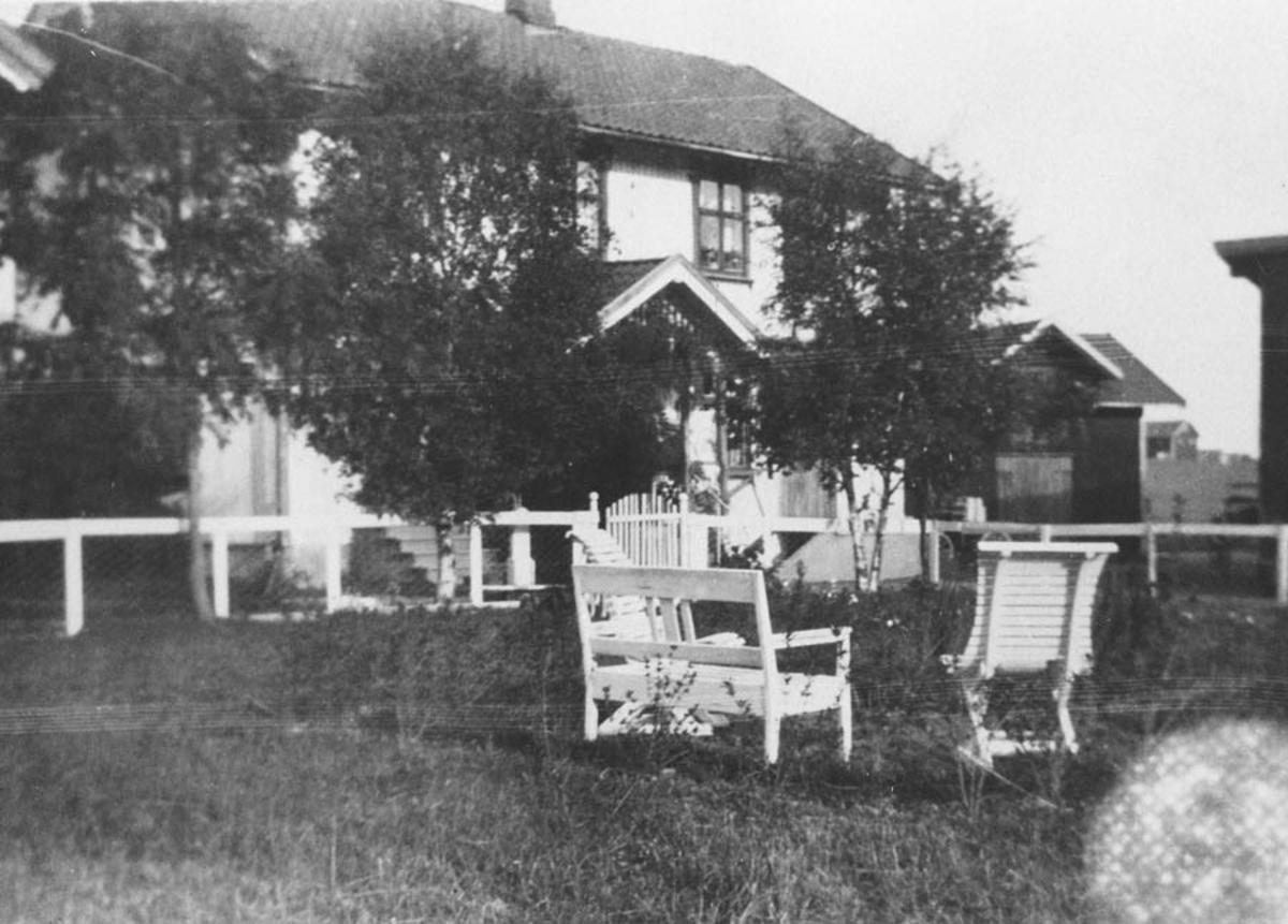 Heimdal 1928 (den tids hagemøbler).