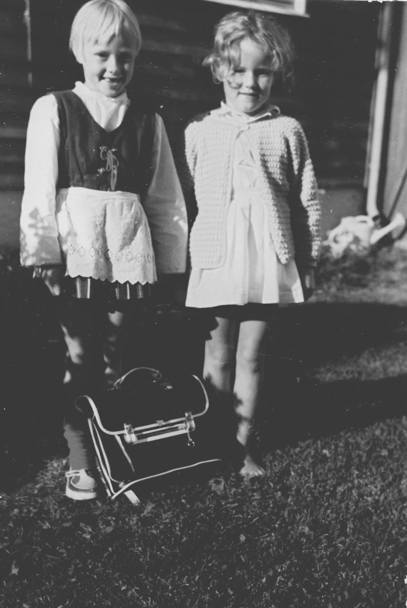 To veninner første skoledag.
