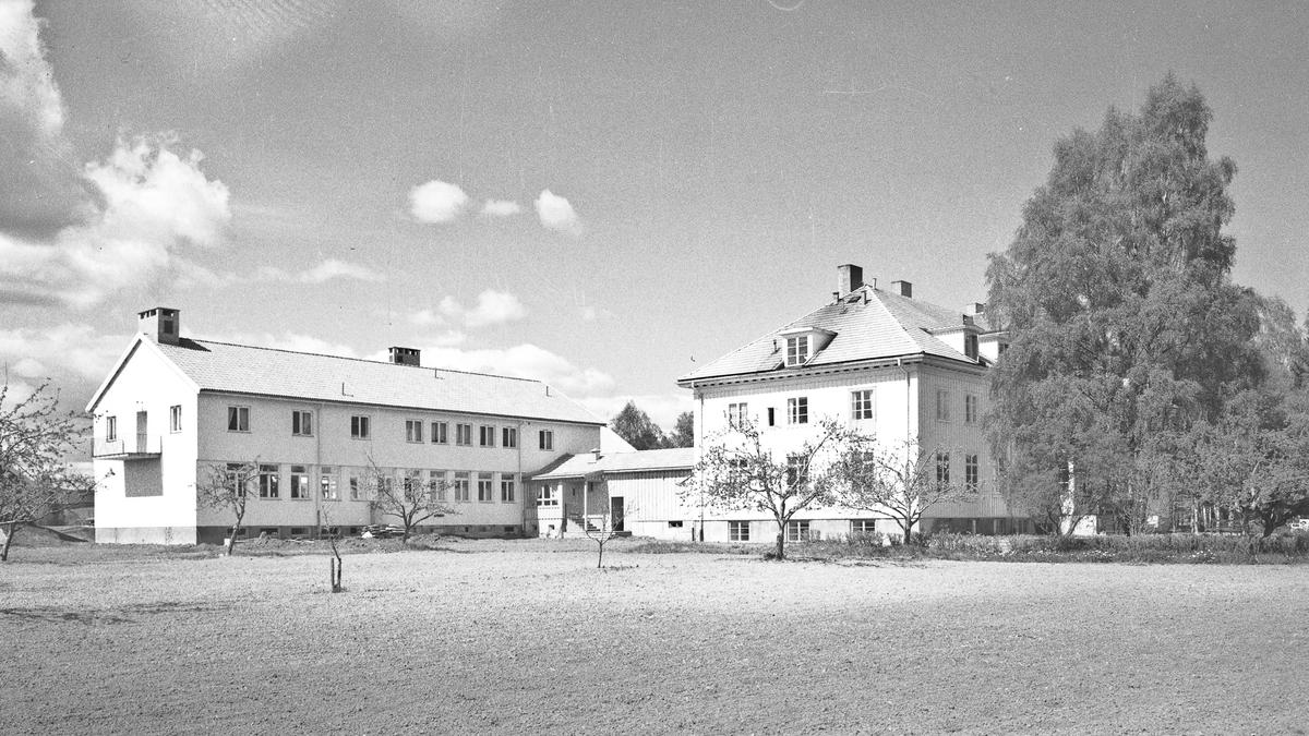 Mork husmorskole på Myhrer.