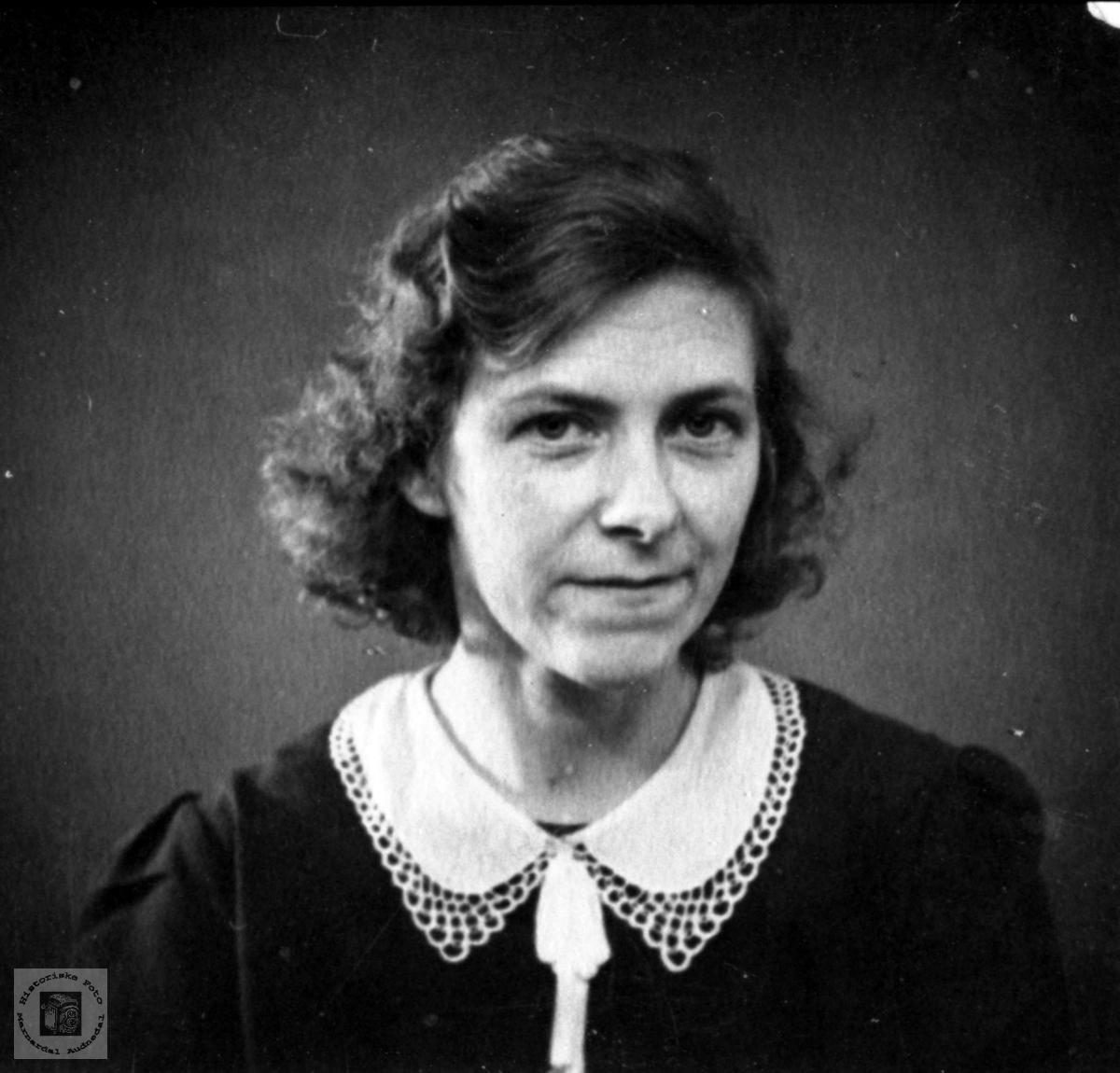 Portrett av Sigrid Andersen, f. Kleiven, Laudal.
