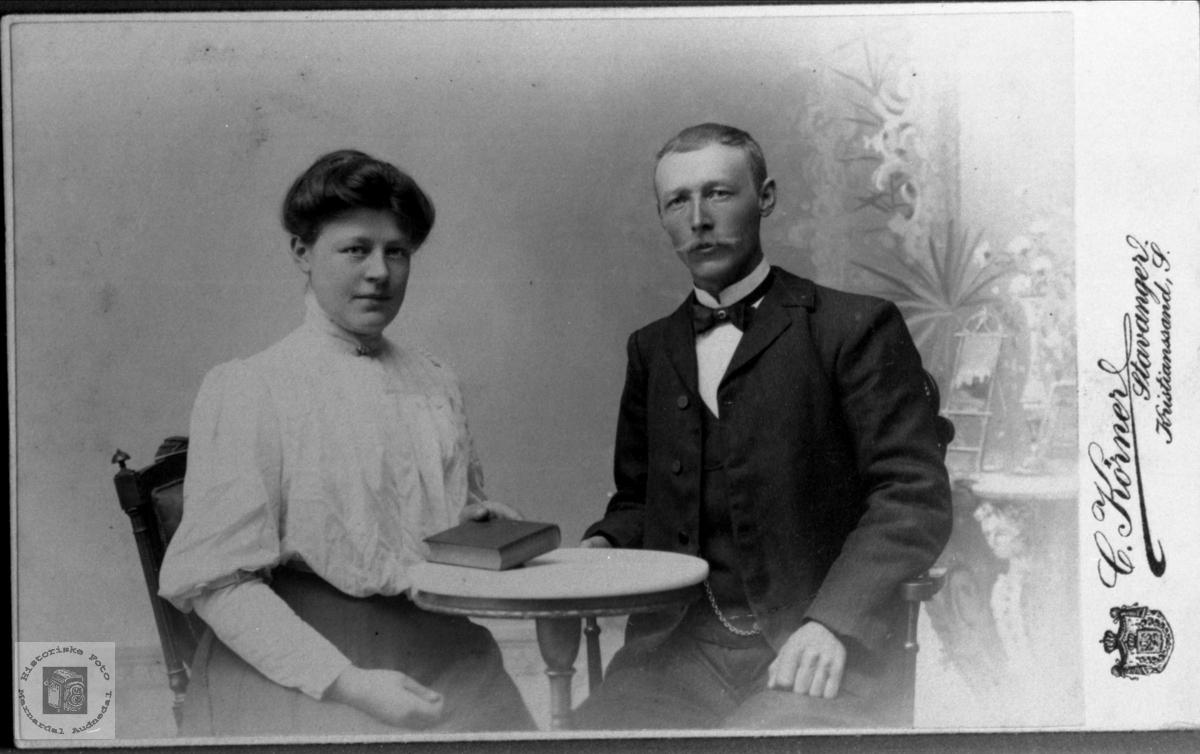 Ekteparet Anna og Nils Haugland, Bjelland.