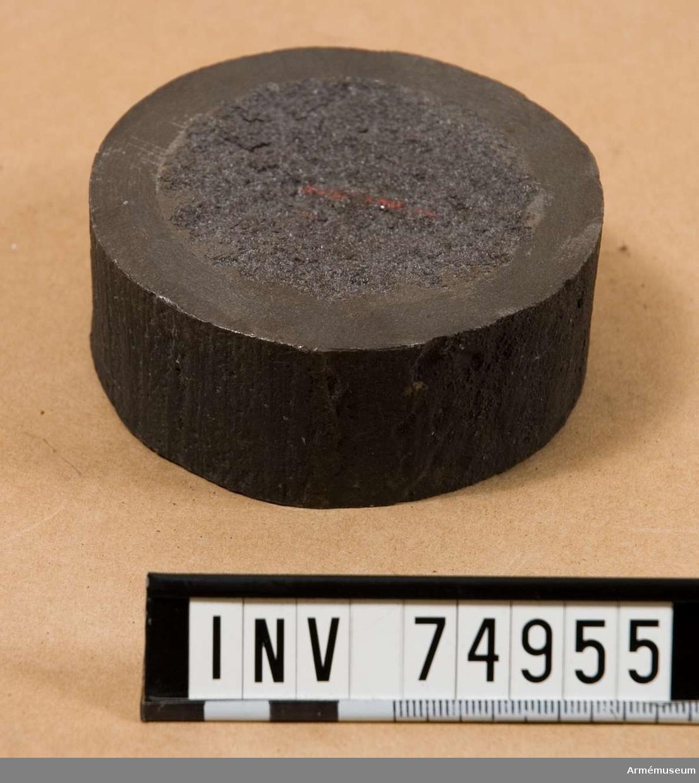 """Grupp  F:V. Uttagen vid gjutning av de 29 cm. (9"""",63) slätborrade framladdningskanoner m/1866, vilka enligt kontrakt av den 22 juni 1866 till ett antal av åtta gjötos vid Finspong samma år. I kontraktet bestämdes, att dessa kanoner n:ris 1884/87 skulle gjutas från 2:ne masugnspipor, och ett tillräckligt antal kupolugnar, samt efter nya metoden över kärnstång med stigande göt."""