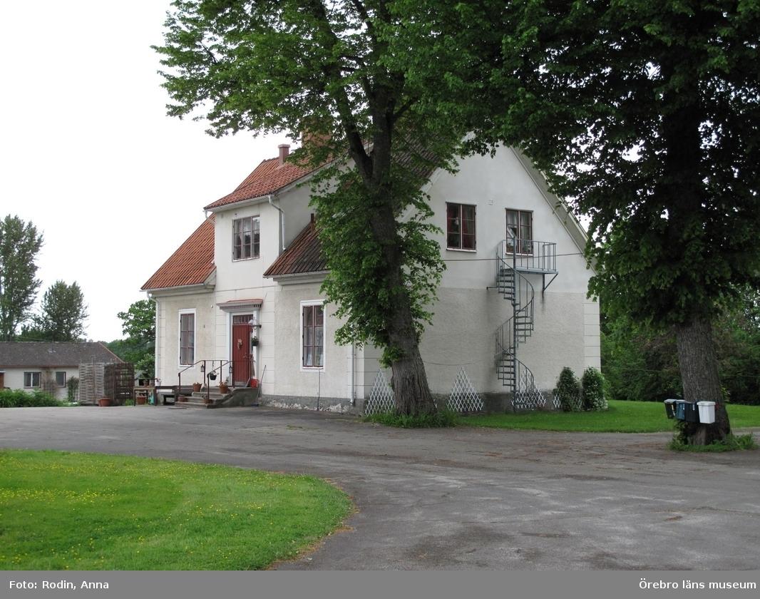 Inventering av kulturmiljöer i Axberg, Ervalla och Ödeby. Område 3.Miljö 25.1: Ervalla gård.Dnr: 2010.240.086