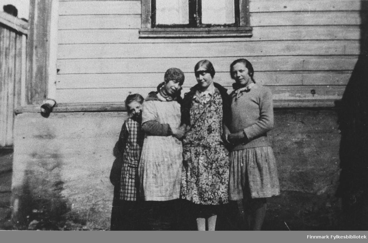 Ungdommer i Kiberg.
