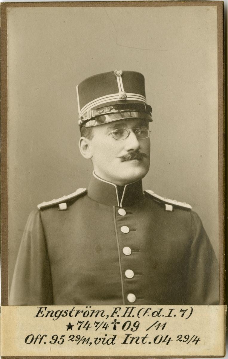 Porträtt av Folke Hjalmar Engström, intendent vid Intendenturkåren.
