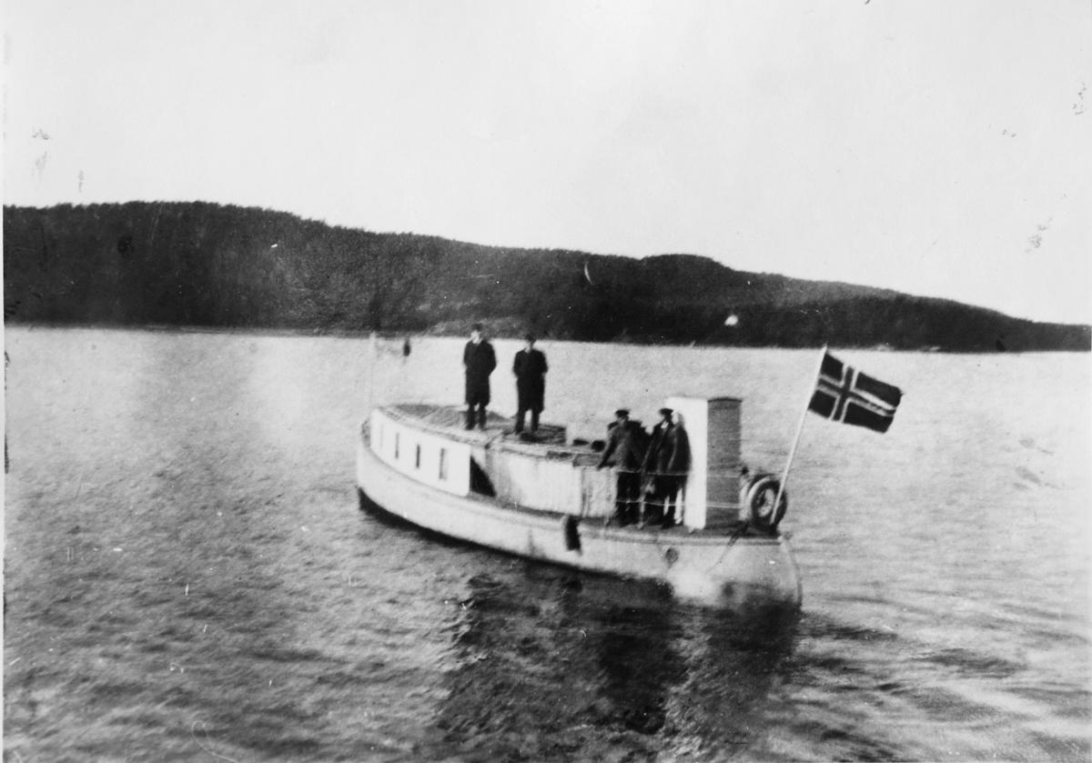 """Motorbåten """"Njord""""."""
