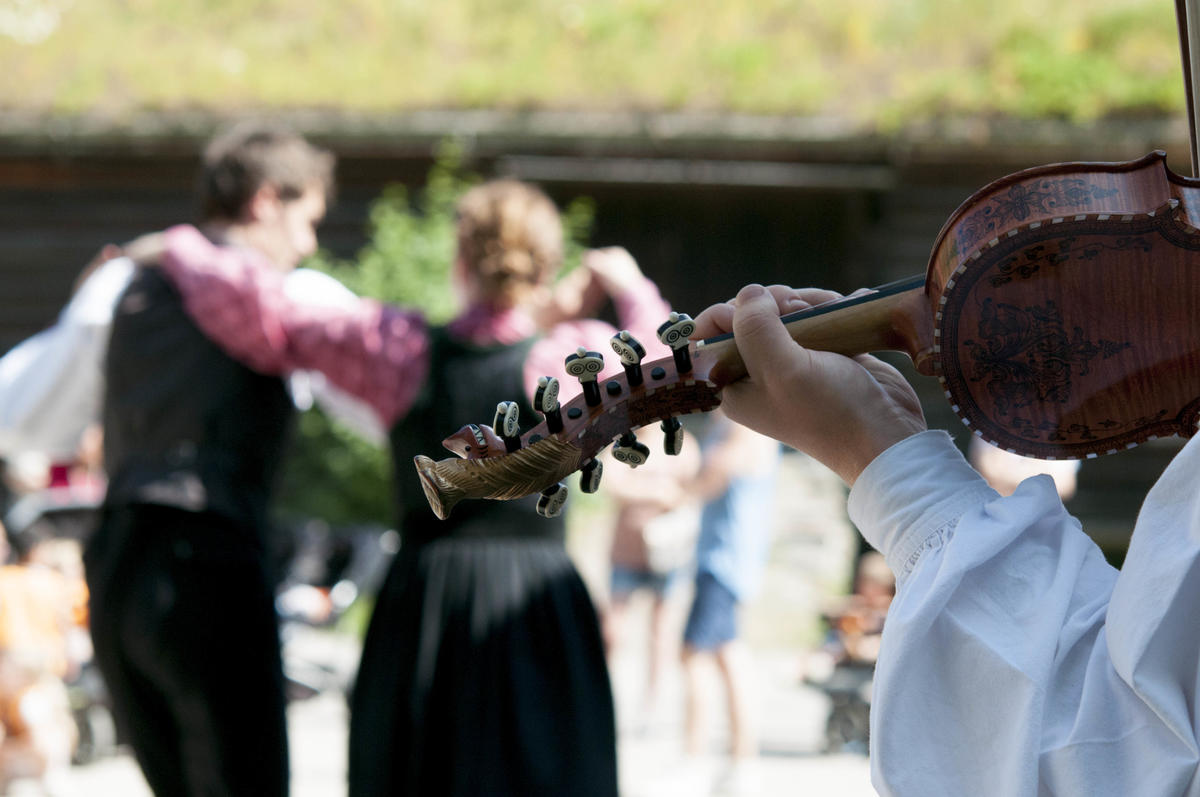 Folk dancing and fiddle in the Open-Air Museum