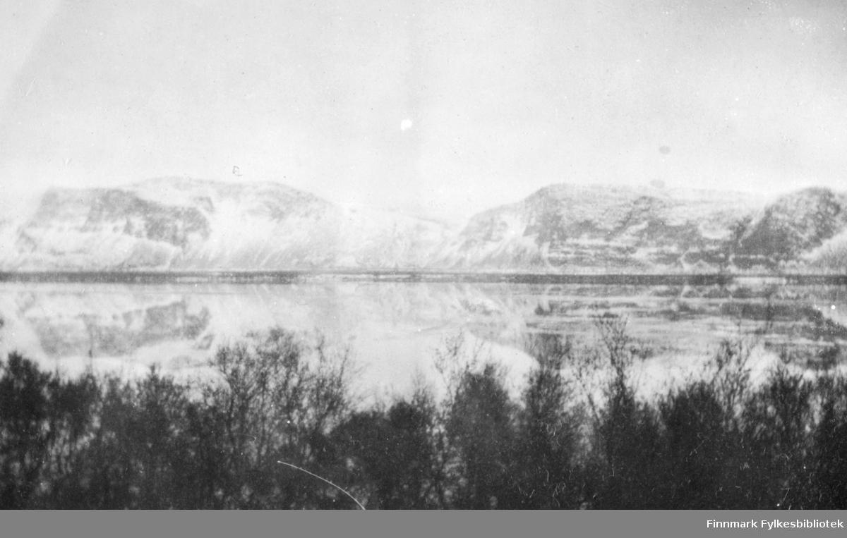 Tana sorenskrivergård. 1917.