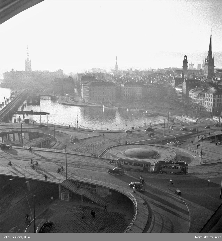 Stockholm. Vy från Katarinahissen, morgondis över Slussen